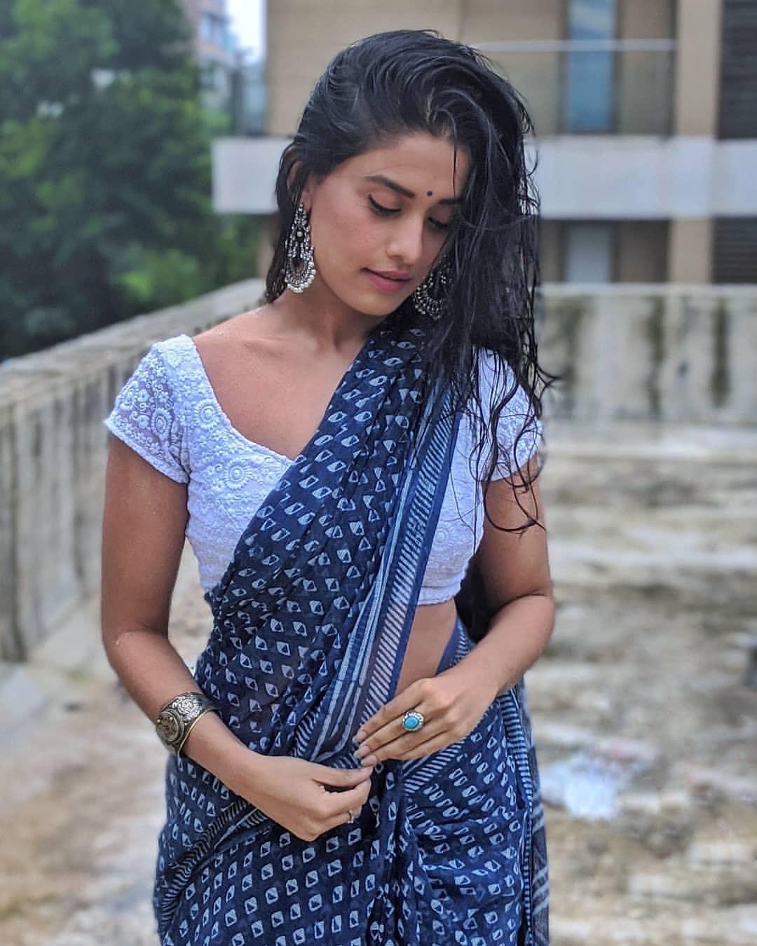 Instagram model Sonal Devraj in wet white blouse saree Navel Queens