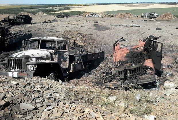 Обстрелянная техника 79-ой бригады возле Мариновки, рядом с Изварино