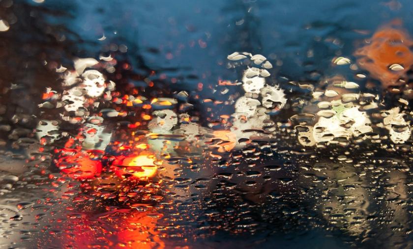 En la lluvia, la visibilidad es lo que primero se pierde