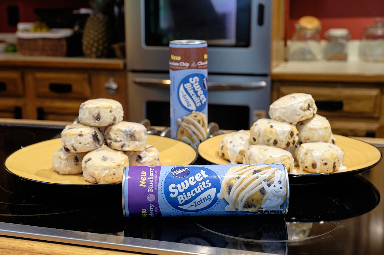 Rewarding the family with Pillsbury Sweet Biscuits with icing #pillsburypartner