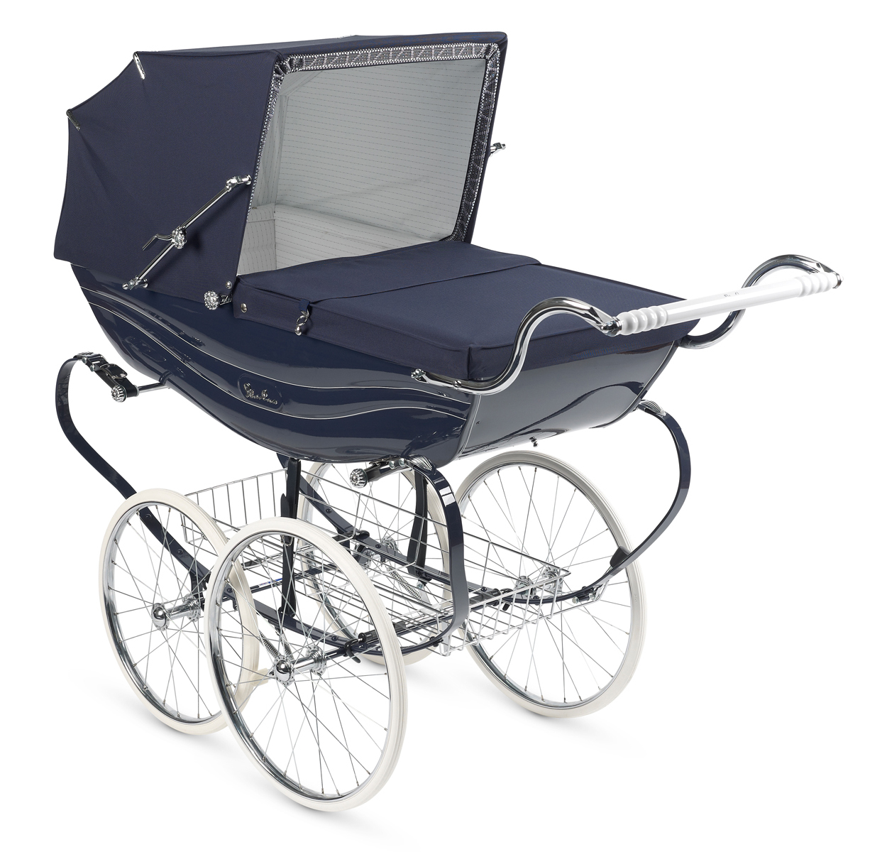 A Silver Cross pram. Image, Silver Cross, Wikimedia, Creative Commons 3.0.