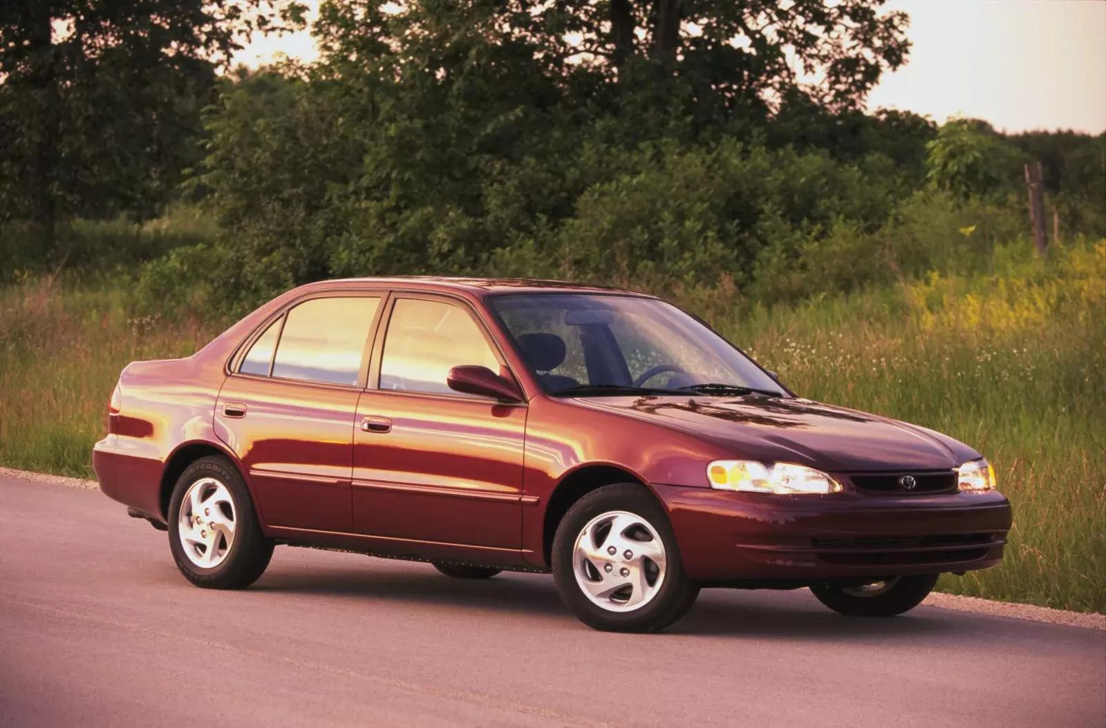 mașini din ultimii 10 ani Toyota Corolla