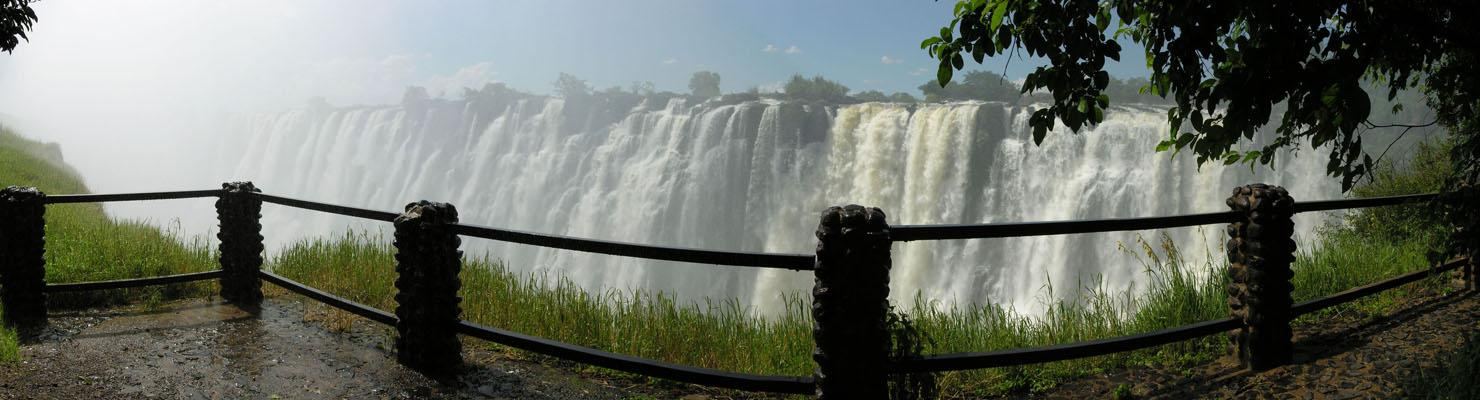 http://famouswonders.com/wp-content/uploads/2009/02/victoria-falls-panorama-with-bride.jpg