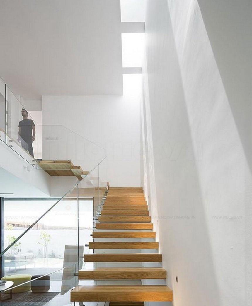 Thiết kế giếng trời dọc theo cầu thang