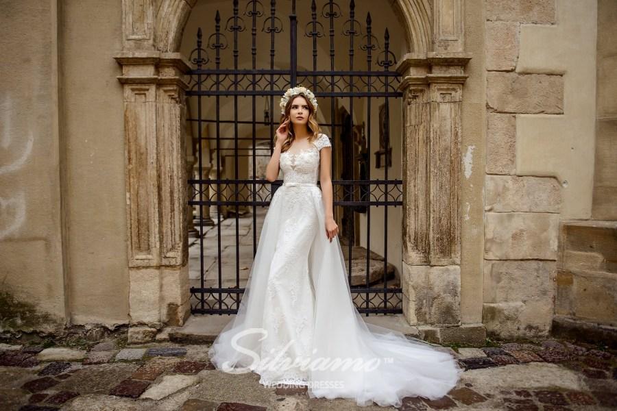 Весільна сукня зі знімною спідницею оптом