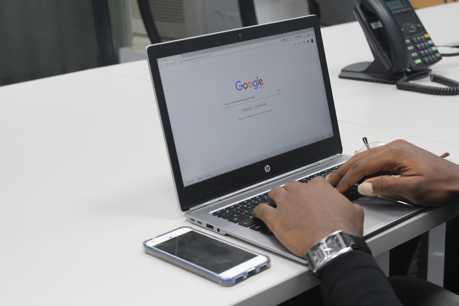 A person looking up local marketing on Google