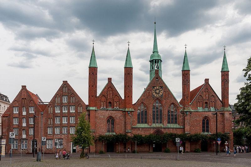 Qué ver en Lubeck.Lübeck Germany Heiligen-geist-Hospital-01