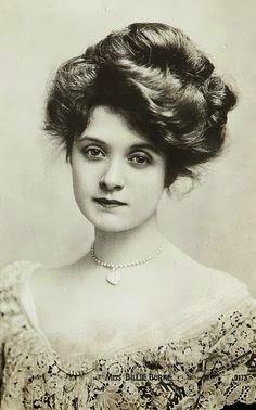 Hair styles for Women in 1900-1908