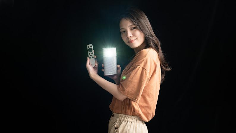 BenQ GV1 LED 無線行動投影機開箱實測
