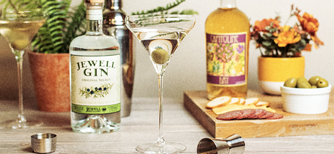 The Martini Glass, An Essential Glass For Your Home Bar