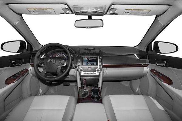 cabin-of-Toyota-Camry-2013