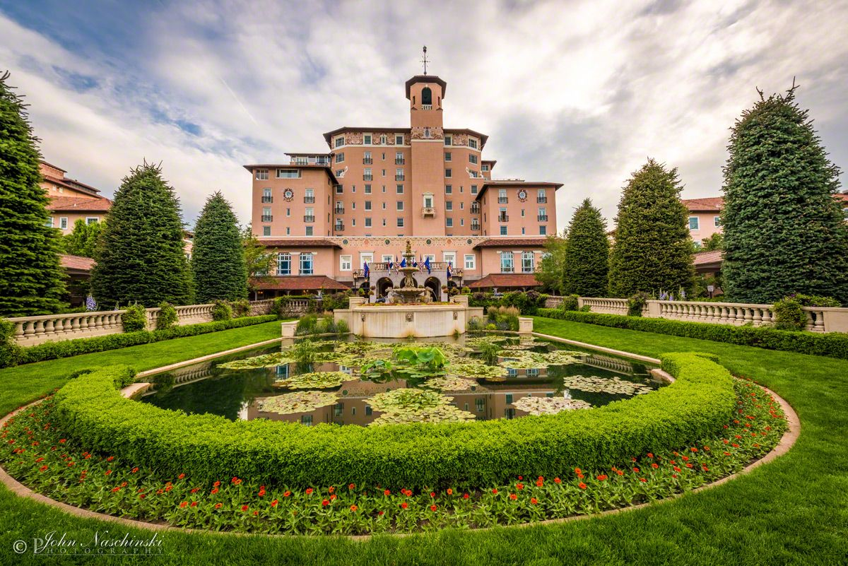 Entrance to the Broadmoor