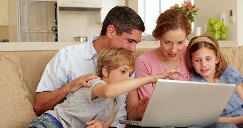 Family choosing a new electricity provider online