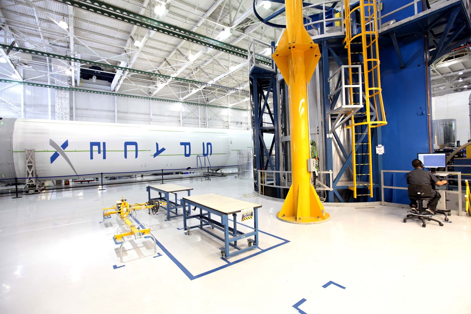 https://get.pxhere.com/photo/transportation-machine-factory-industry-electricity-rocket-energy-manufacturing-hangar-development-industries-cape-canaveral-rocket-science-spacex-893772.jpg