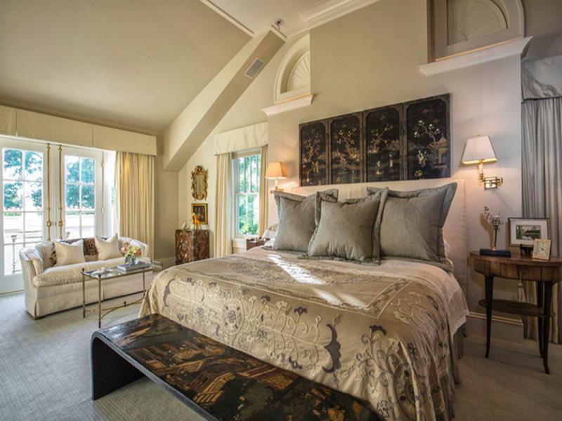 Phòng ngủ với hoạ tiết lạ mắt trên các đồ nội thất