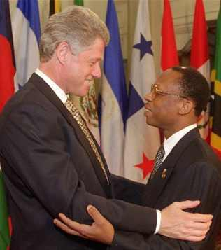 http://www.haitian-truth.org/wp-content/uploads/2011/03/aristide-clinton-summit.jpg