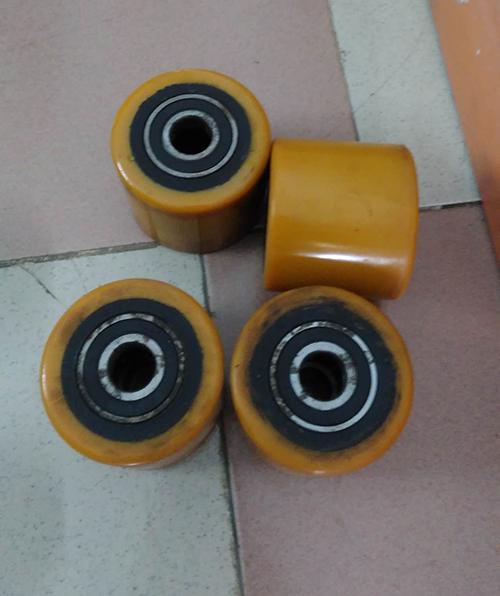 bánh xe nâng tay chất liệu pu