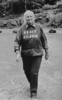http://upload.wikimedia.org/wikipedia/commons/c/c1/Peace_Pilgrim-1980-Hawaii.jpg