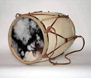 Bombo Legüero , instrumento musical de percusión. Realizado con un tronco  ahuecado…   Instrumentos musicales, Instrumentos musicales de percusion,  Cultura argentina