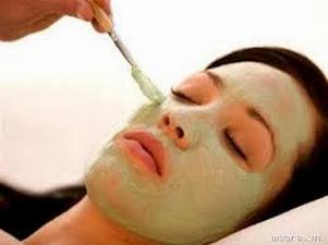 Đắp mặt nạ bột đậu xanh trị mụn cho làn da trắng sáng