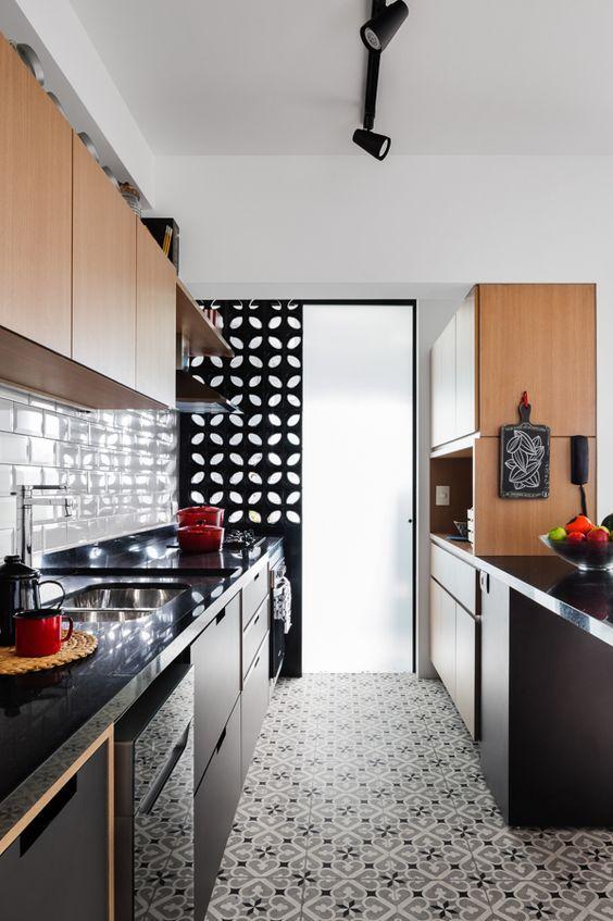 ladrilho hidráulico e cobogós na cozinha
