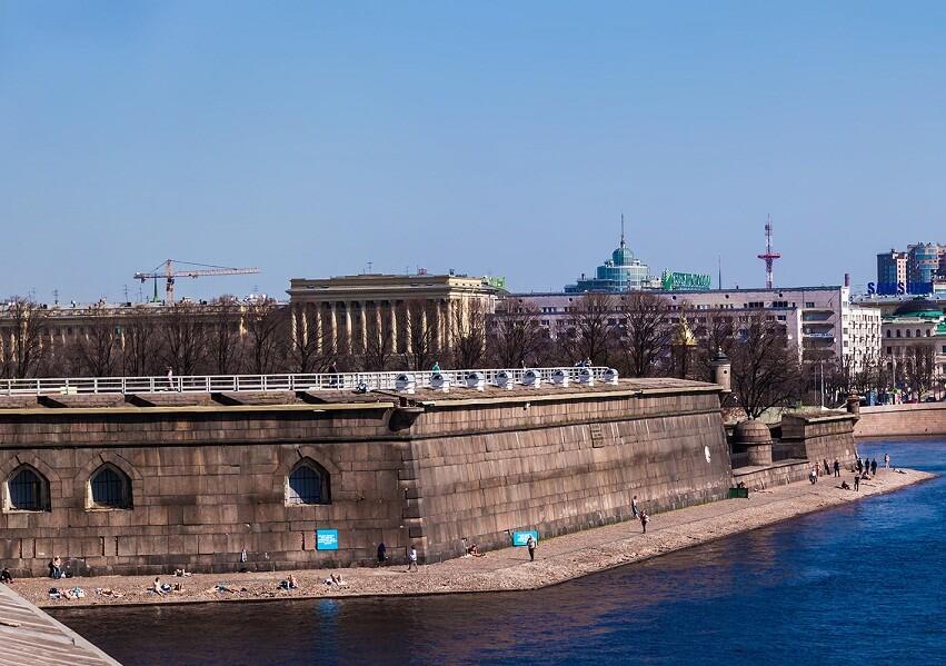 Стены крепости в Санкт-Петербурге