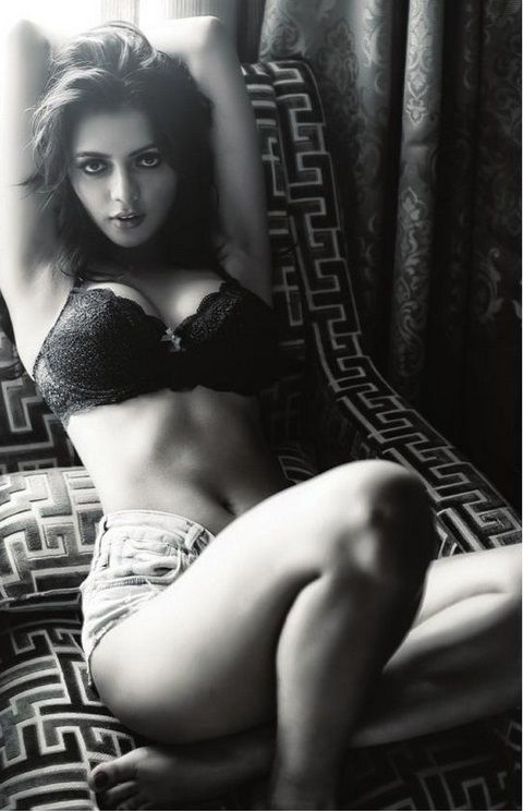 Ruhi Singh movie Calendar girls looking sexy