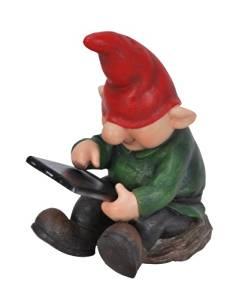 EWR Gnome with leafpad.jpg