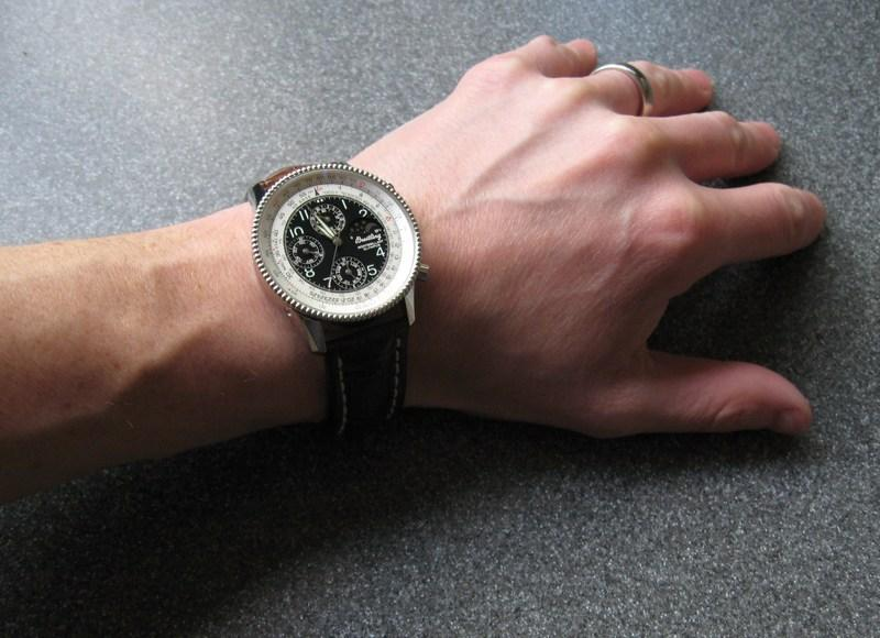 http://img192.imageshack.us/img192/6274/wristcroco.jpg