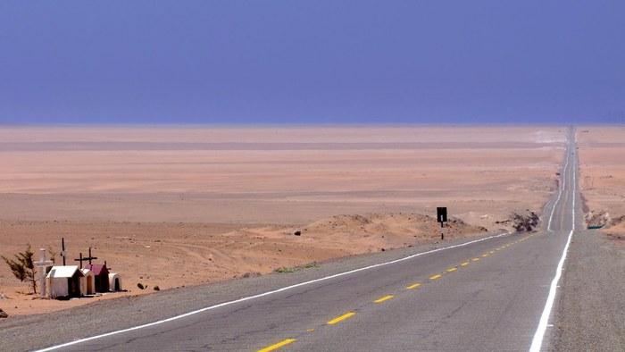 Camino al desierto en Perú en una ruta de Tepsa