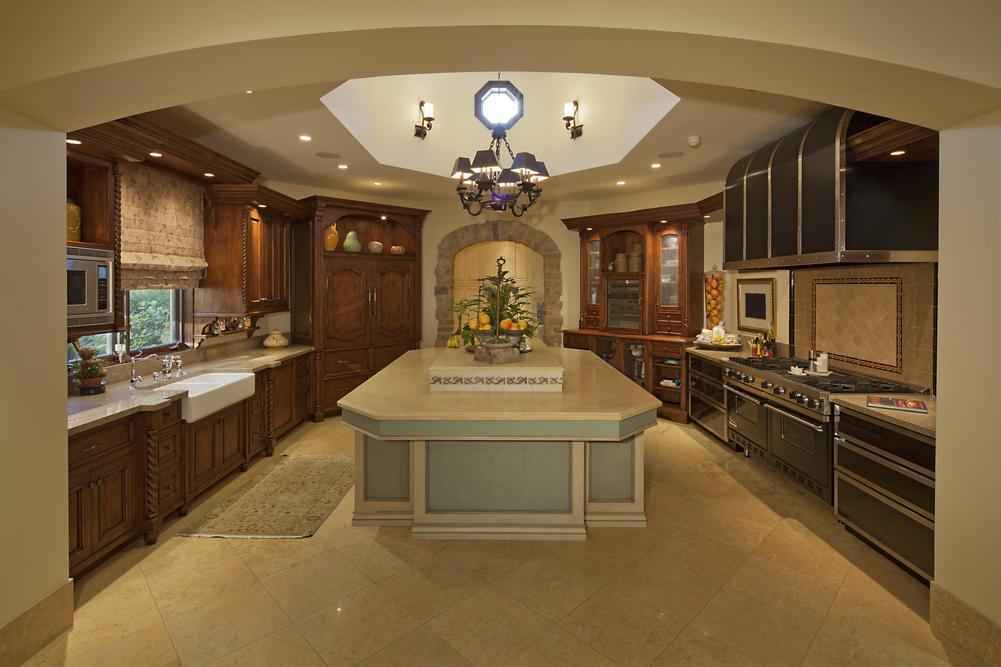 http://streaming.yayimages.com/images/photographer/moodboard/a7390f5f6d82cb336c037a6809b60a64/classic-kitchen.jpg