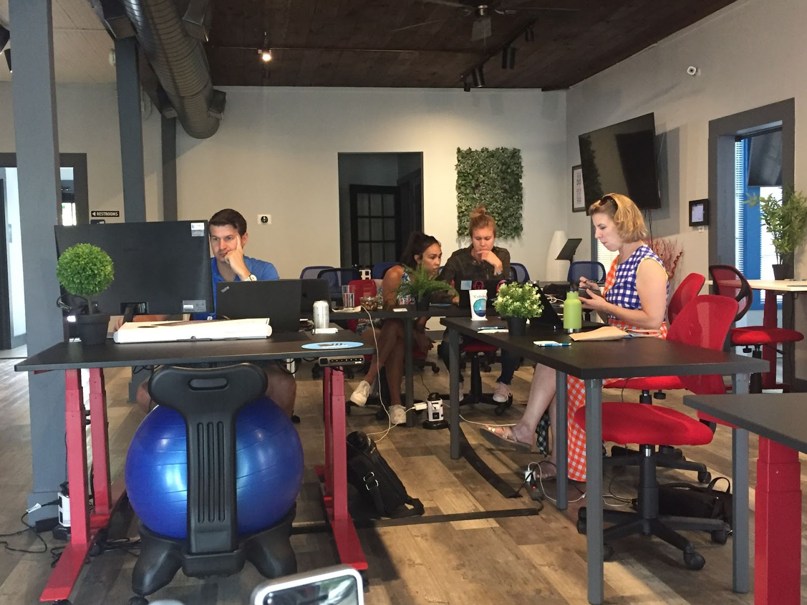 Coworking Space Austin: 15 Best Spaces with Pricing, Amenities & Location [2021] 40