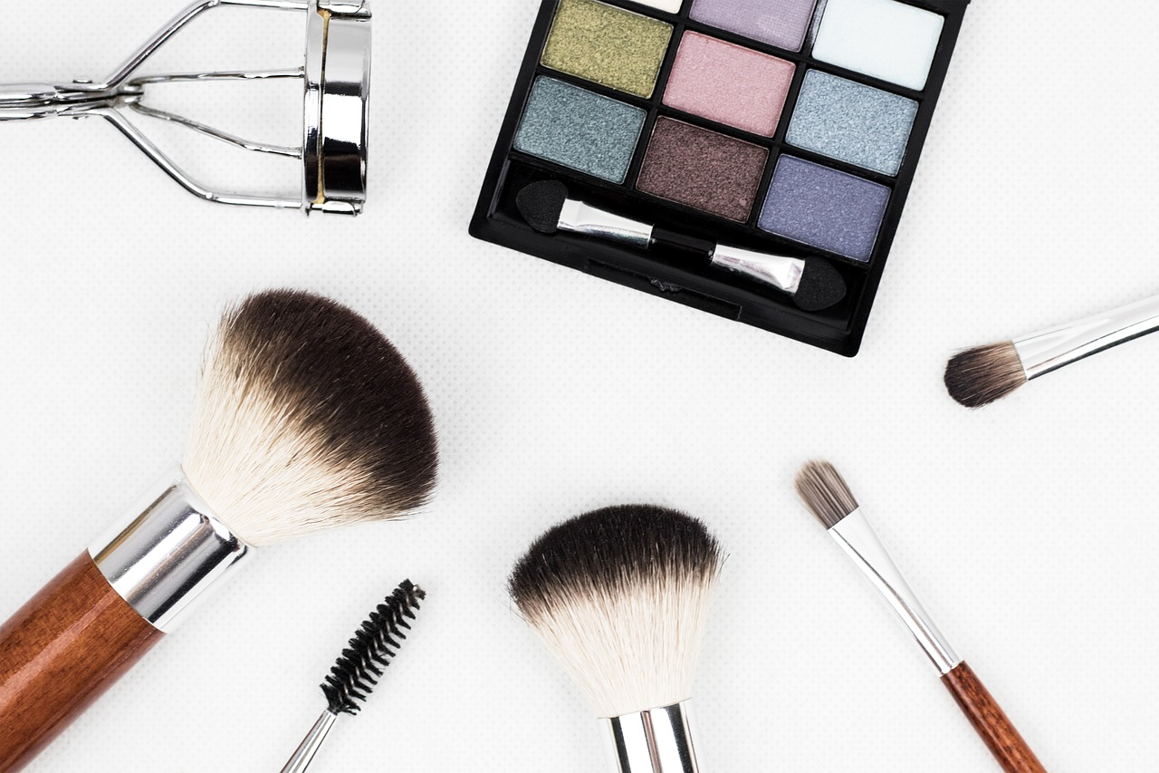 Cosmetics wholesale at Limited company Fease