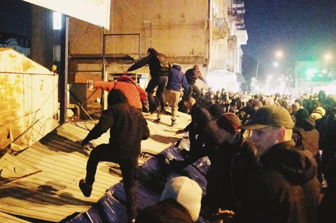 Штурм будівельного майданчику (фото прес-служби «Національного корпусу»)