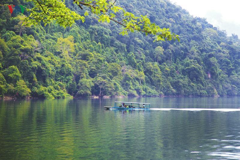 Mùa thu xanh mát ở Hồ Ba Bể.