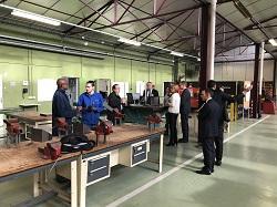 Les auditeurs visitent les plateaux techniques du lycée professionnel Jean Perrin dans l'académie de Versailles