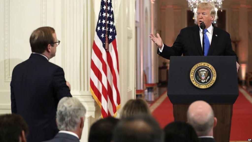 018年11月7日特朗普总统在华盛顿举行的新闻发布会上接受提问。
