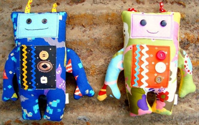 Quilted Stuffed Robot Toys, on Craftsy