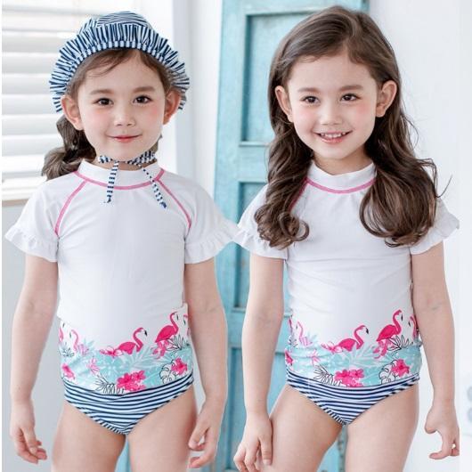 stroje kąpielowe dla dziewczynek 17