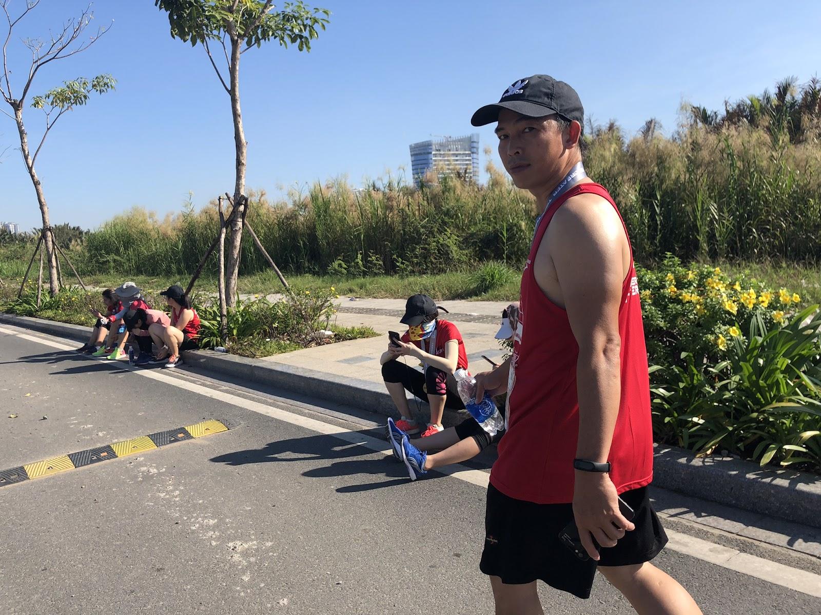 Võ Trọng Quang chạy Teckcombank marathon
