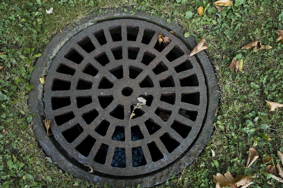 sewer-cover-178443_960_720.jpg