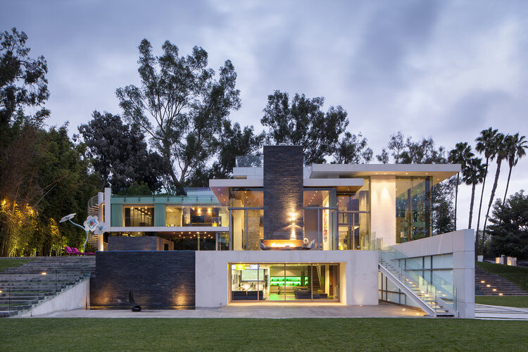 Summit House by Whipple Russell Architects | Source: whipplerussel.com