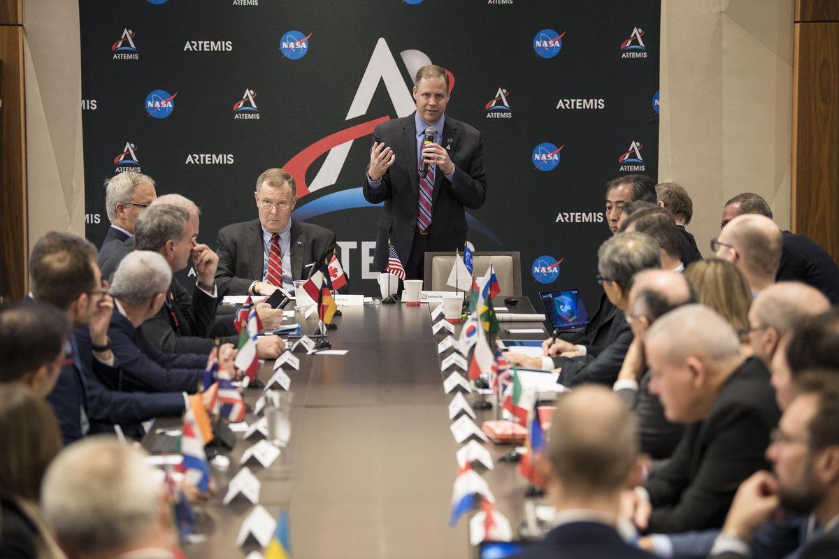 Starptautiskajā astronautikas kongresā tiek spriests par Artemis programmu un Mēness izpētes nosacījumiem