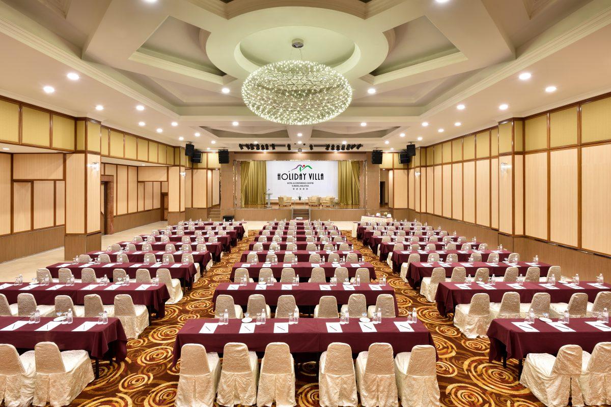 Luxurious Versatility at Holiday Villa Hotels & Conference Centre 2 Luxurious Versatility at Holiday Villa Hotels & Conference Centre