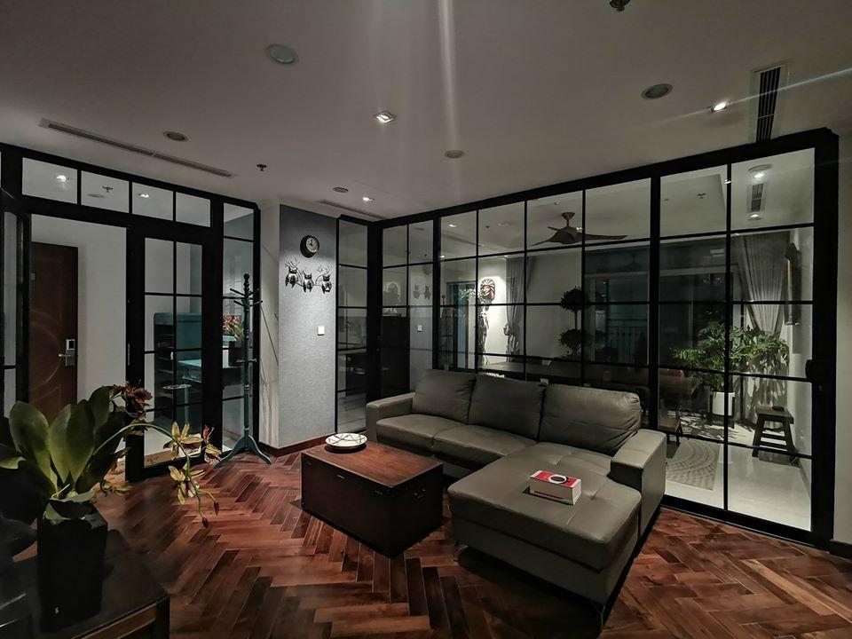 mẫu vách ngăn phòng khách và bếp bằng gỗ