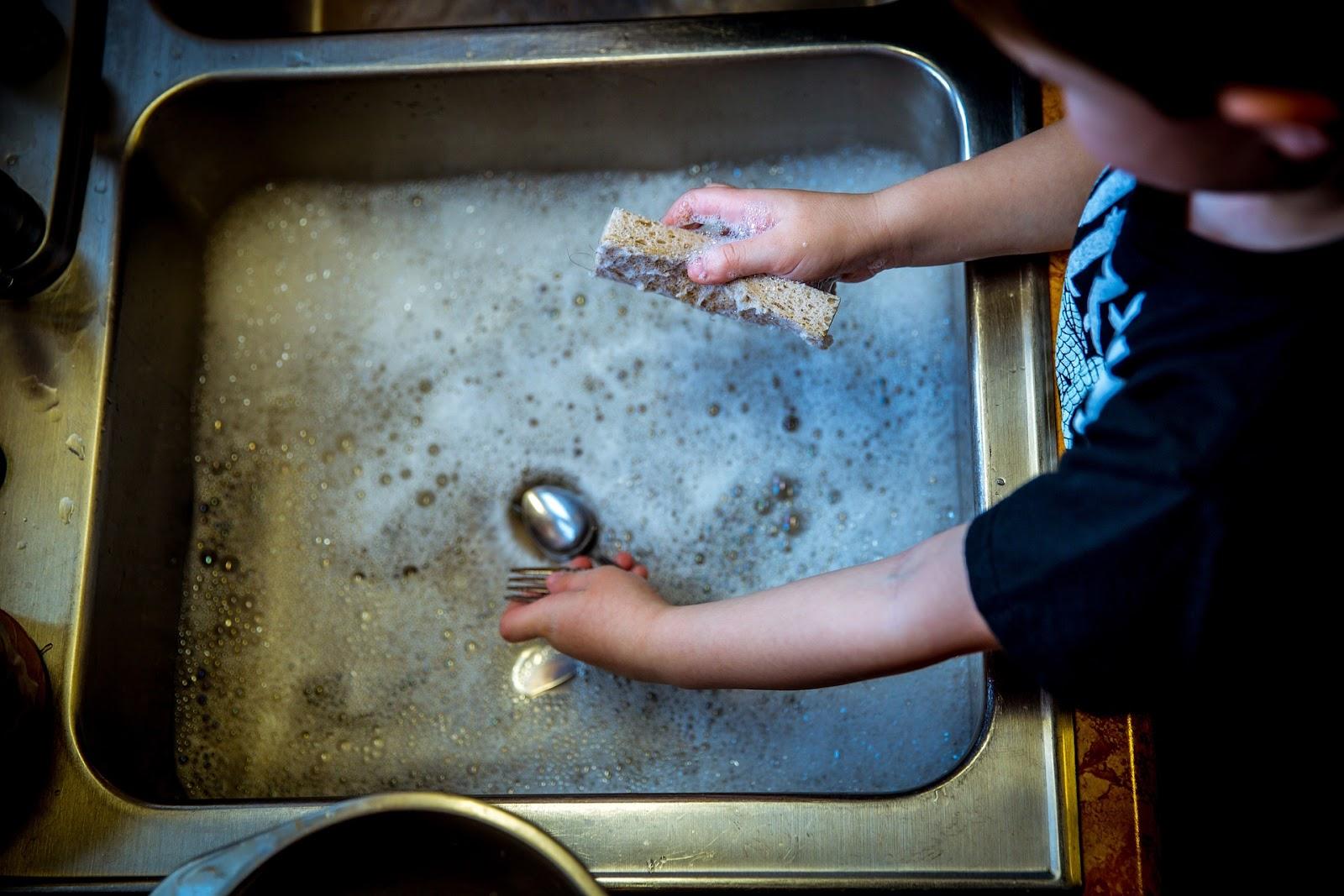 Umývání nádobí
