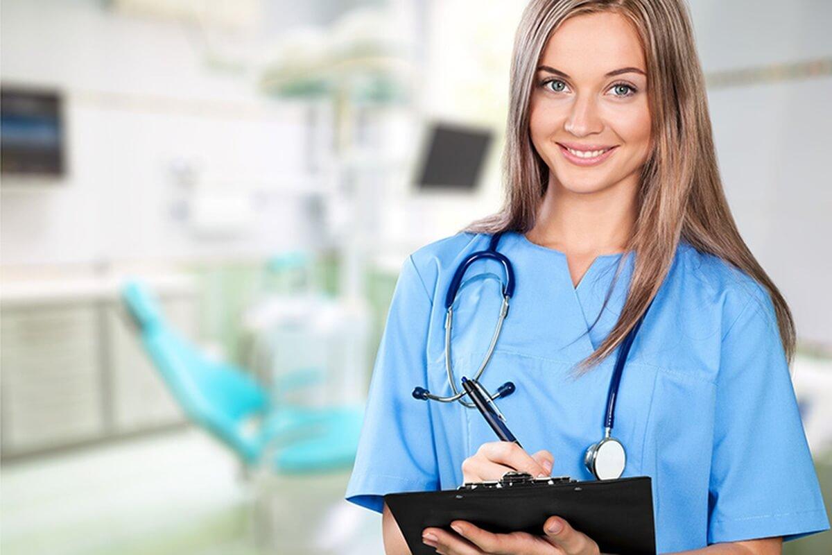 Điều dưỡng là ngành học mang lại triển vọng nghề nghiệp cao