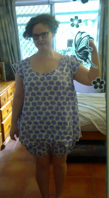 burda 7109 pyjamas front view