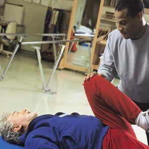 http://media.cirrusmedia.com.au/6M_Media_Library/Images/physiotherapist_older_patient.jpg