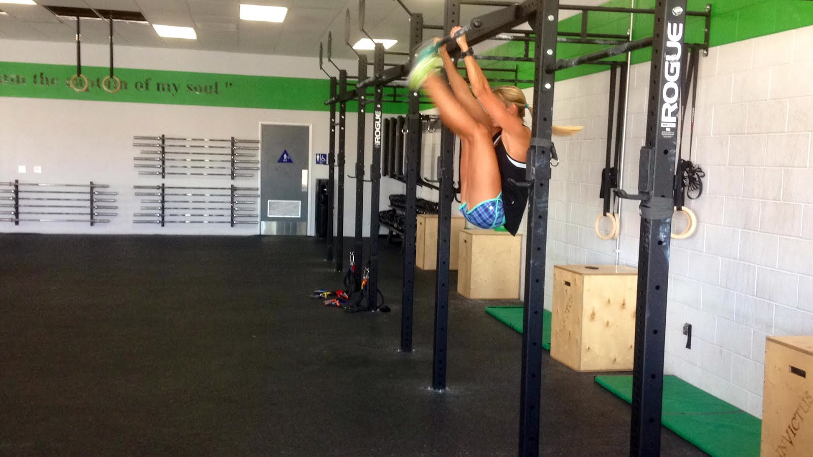 Kipping Toes to Bar by Lindsey Johnson of CrossFit Invictus San Diego